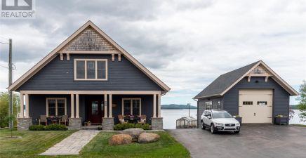 Botwood, NL Real Estate